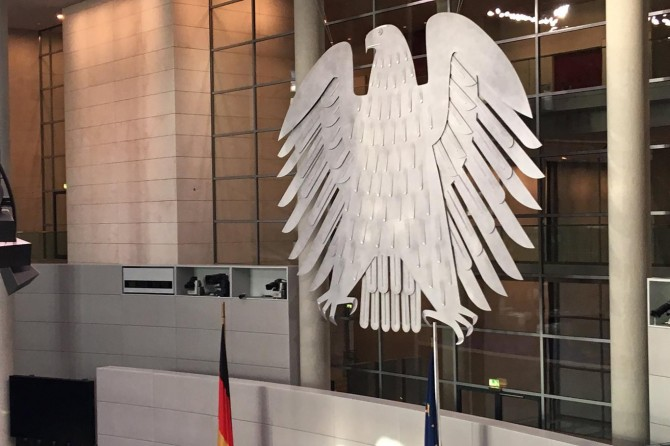 Almanya Parlamentosundan burka yasağı kararı