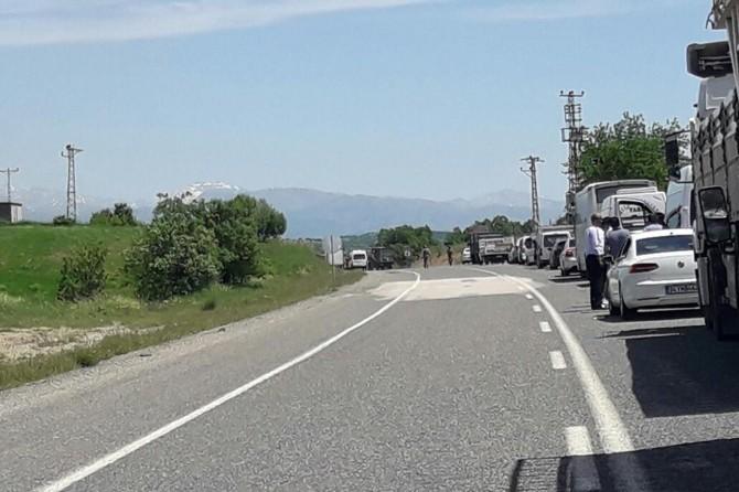 Lice-Kulp Karayolu'nda menfeze yerleştirilen patlayıcı imha edildi