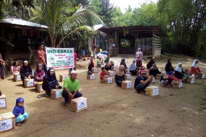 IHO Ebrar'ın ilk Ramazan Yardımı Filipinler'e