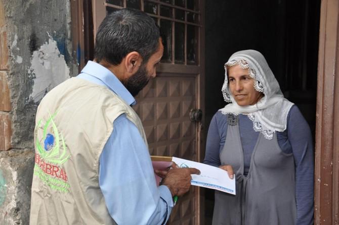 IHO EBRAR'dan ihtiyaç sahibi ailelere nakdi yardım