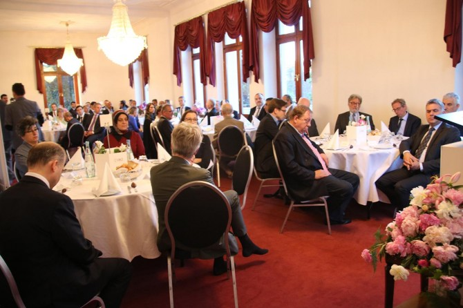 Köln'de geleneksel iftar programı düzenlendi