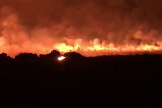 Anız yangında 4 TIR ile bir traktör kül oldu
