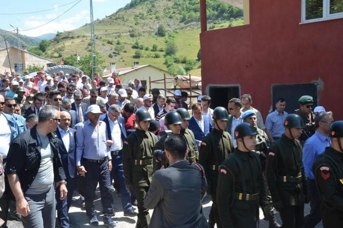 Tunceli'de katledilen Necmettin Yılmaz öğretmen Gümüşhane Torul'da defnedildi
