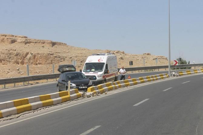 Mardin-Kızıltepe yolunda hızını alamayan sürücü refüje çarptı