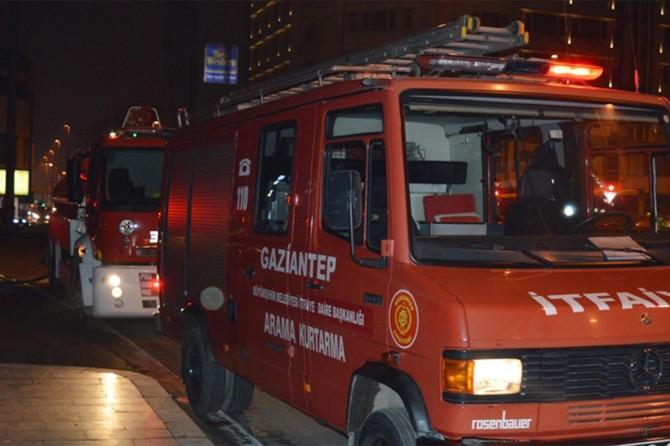 Gaziantep'te bir gıda toptancısında yangın