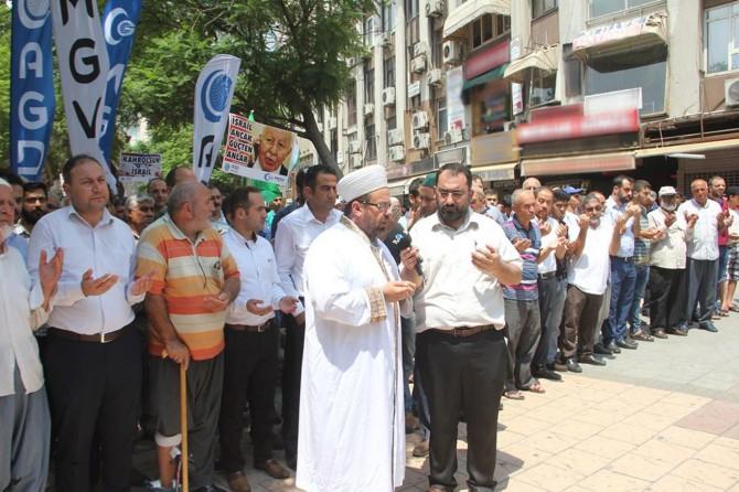 Adana'da Siyonist çeteye lanet yağdı