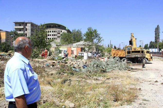 Van'da 8 gecekondu yıkıldı