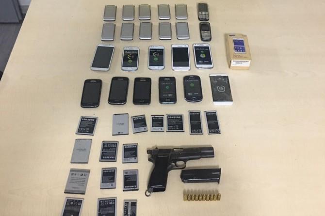 Gaziantep'te ruhsatsız silah ve kaçak cep telefonu operasyonu