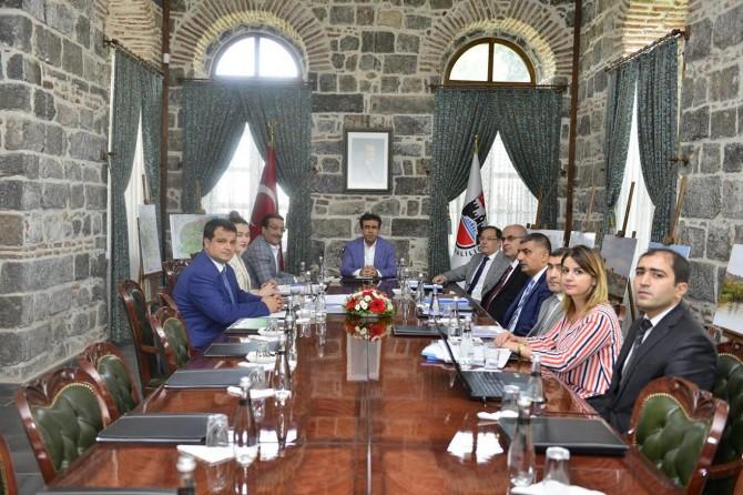 Sur'daki çalışmalarla ilgili toplantı düzenlendi