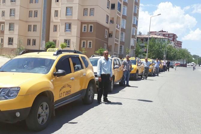 Belediyeye tepki gösteren taksicilerden iş bırakma eylemi