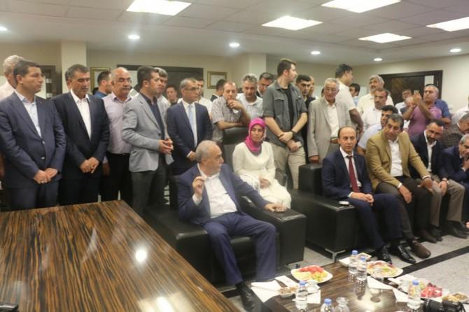 Bakan Fakıbaba'dan Büyükşehir Belediyesine ziyaret