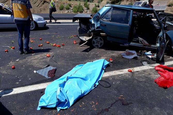 Kahramanmaraş-Kayseri karayolunda zincirleme kaza: 1 ölü 3 yaralı