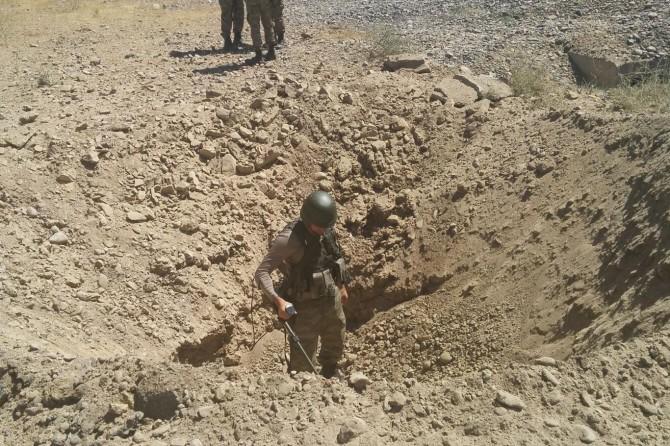 Bingöl-Diyarbakır Karayolu'na yerleştirilen el yapımı patlayıcı imha edildi