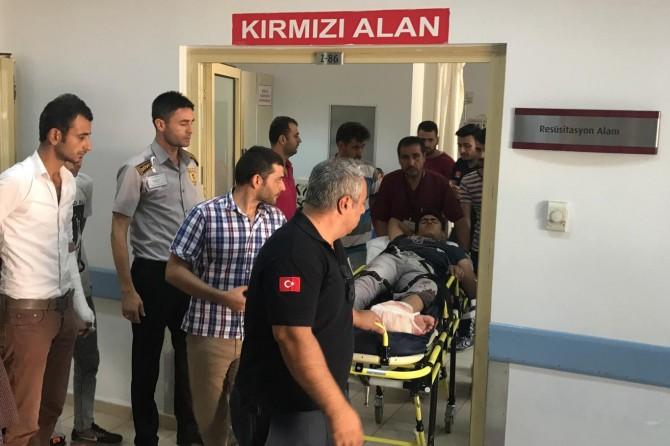Adıyaman Kahta'da motosiklet kazası sonucu ayağı kopma aşamasına geldi