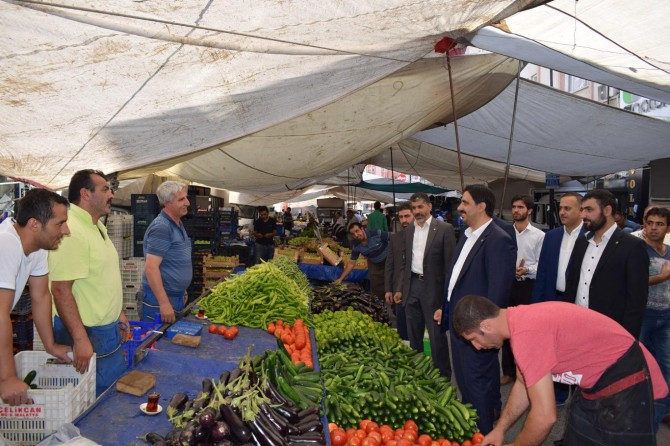 HÜDA PAR'dan Malatya'da semt pazarı esnafına ziyaret
