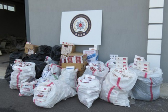 Denizli'de 36 bin paket kaçak sigara ele geçirildi