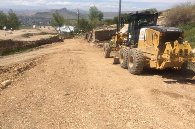 Van kırsalında yol yapım çalışmaları devam ediyor