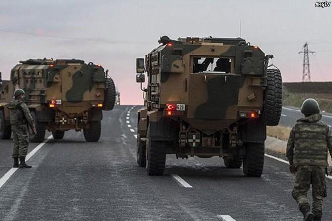 Askeri aracın geçişi sırasında patlama: 2 yaralı