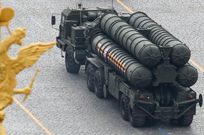 Bi Rûsyayê re hevpeymana mûşekên S-400an hat îmzekirin
