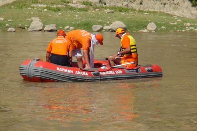 Dicle Nehri'ne düşüp kaybolan çocuk hâlâ bulunamadı