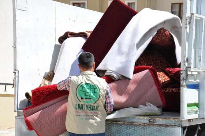 Umut Kervanı Türkmen aileye yardım eli uzattı