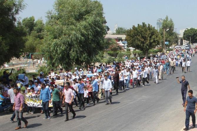 Adana'da yüzlerce çocuğa namaz eğitimi verildi