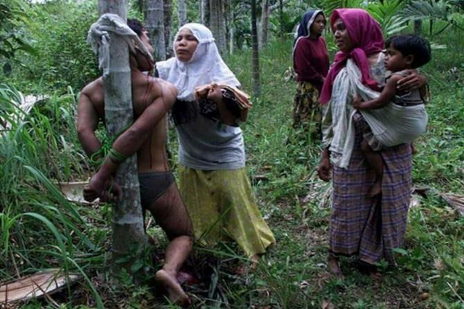 Arakan'da Müslümanlara yönelik soykırım ve katliamlar devam ediyor
