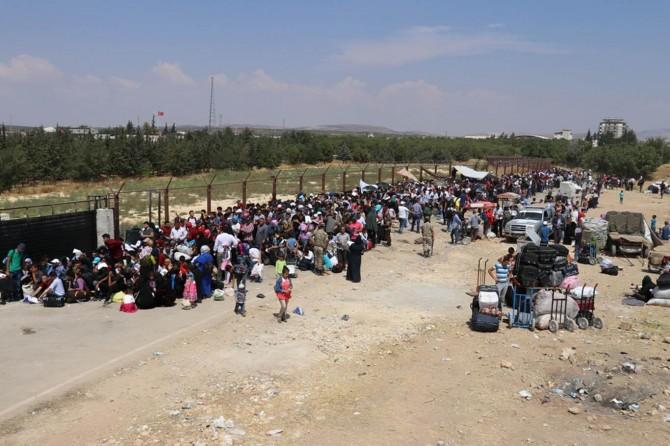 Bayramı Suriye'de geçirecek mülteciler büyük sevinç yaşıyor