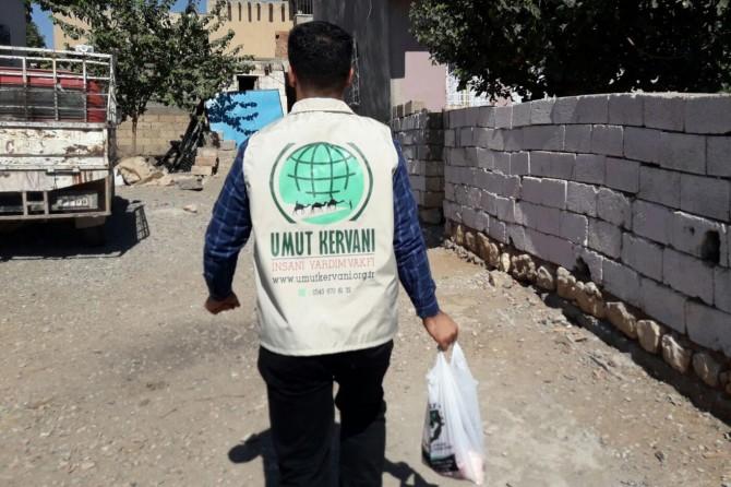 Umut Kervanı Vakfı, Çınar'da kurban eti dağıttı 2017