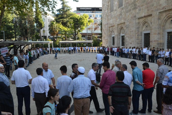 Bursa'da coşkulu bayramlaşma