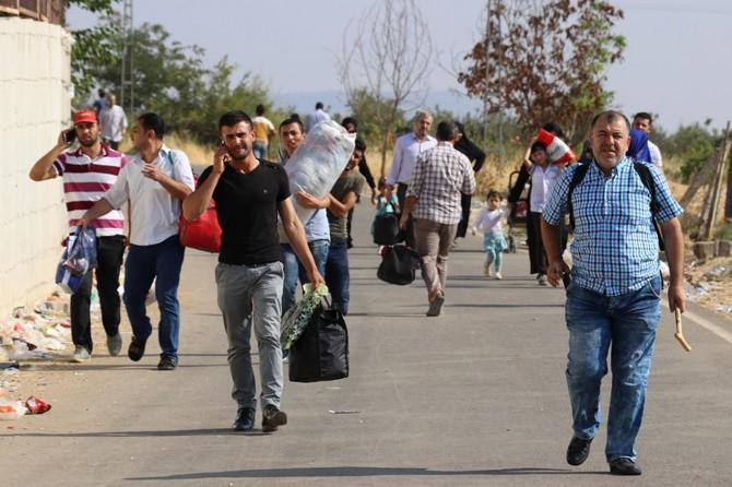 Bayram için ülkelerine giden Suriyeliler dönmeye başladı