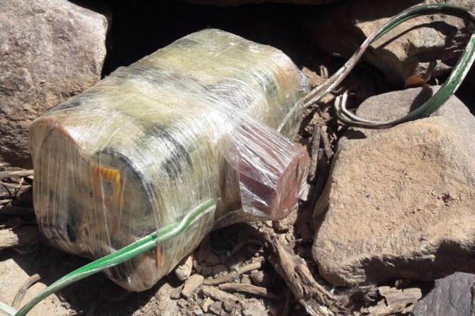 Hakkâri'de yola döşenen el yapımı patlayıcı imha edildi