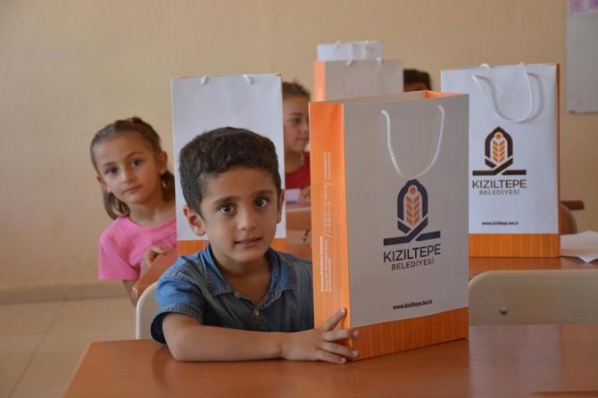 Kızıltepe'de 2 bin öğrenciye kırtasiye yardımı