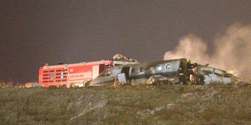 Özel bir jet Atatürk Havalimanına iniş sırasında düştü