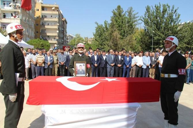 Çatışmada hayatını kaybeden asker defnedildi