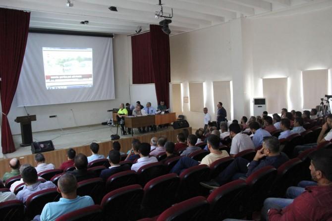 Silvan'da okul servis şoförlerine bilgilendirme toplantısı