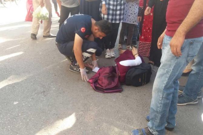 Adıyaman Kahta'da motosikletin çarptığı genç kız yaralandı
