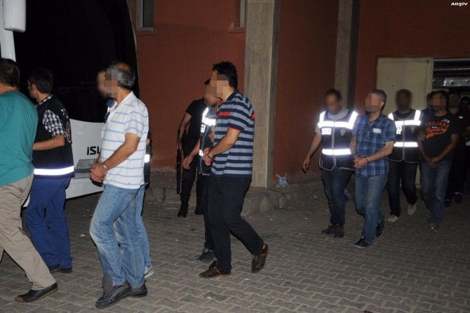 Siirt merkezli FETÖ operasyonunda 8 kişi tutuklandı