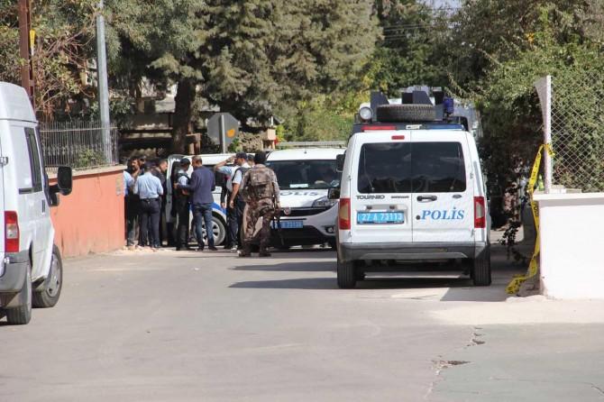 Gaziantep'te gözaltına alınmak istemeyen kişi polise ateş açtı
