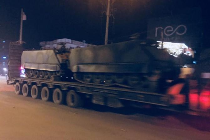 Habur bölgesindeki tatbikata zırhlı araç sevkiyatı