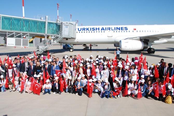 Diyarbakır'da 182 öğrenci Çanakkale'ye gönderildi