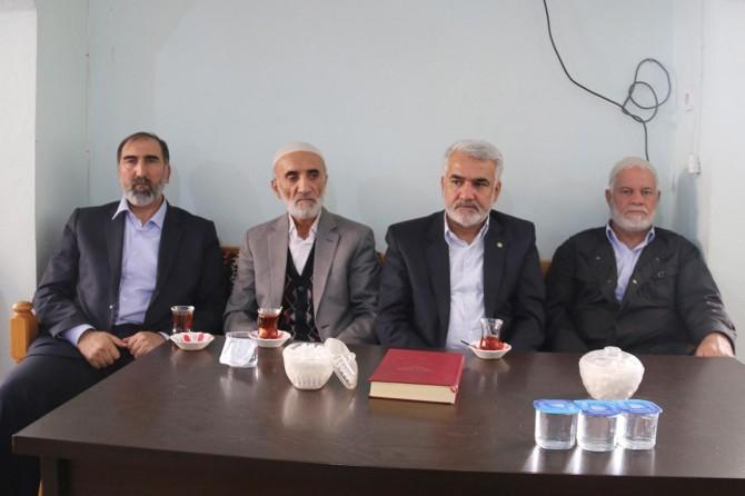 Yapıcıoğlu Tan ailesine taziye ziyaretinde bulundu