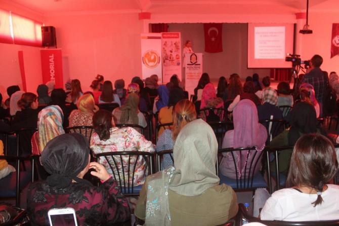 """Mardin'de """"Meme ve rahim ağzı kanseri"""" semineri"""