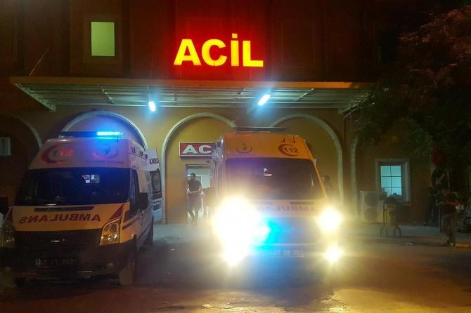 Kızıltepe'de kamyonet ile motosiklet çarpıştı: Biri ağır 2 yaralı