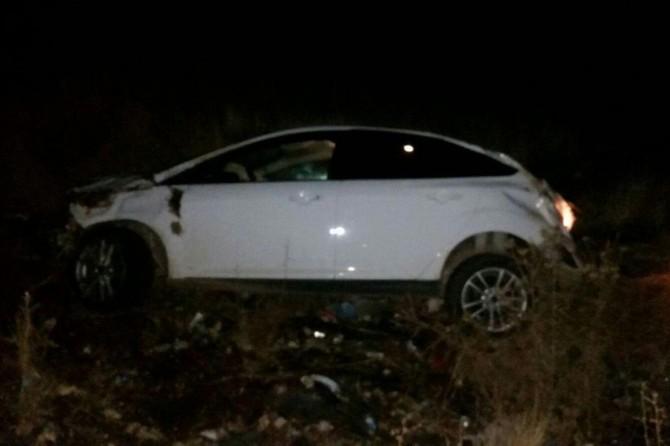 Karakoçan'da kontrolden çıkan araç telefon direğine çarptı: 1 ölü 1 ağır yaralı