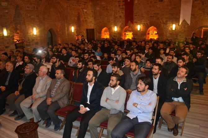 """Bursa'da """"Edep ve hayâ timsali Hz. Osman"""" anlatıldı"""