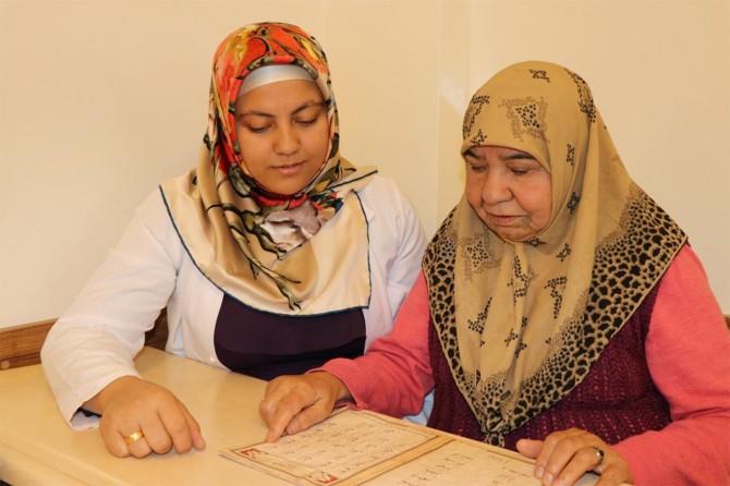Kur'an'ı öğrenme hayalini gerçekleştirmek istiyor