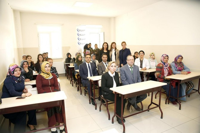 Kadınlara yönelik açık öğretim kursu başladı