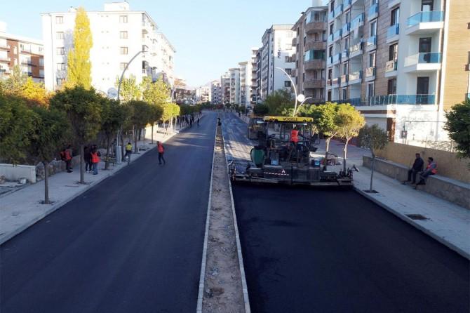 Van'da asfaltlama çalışması başladı