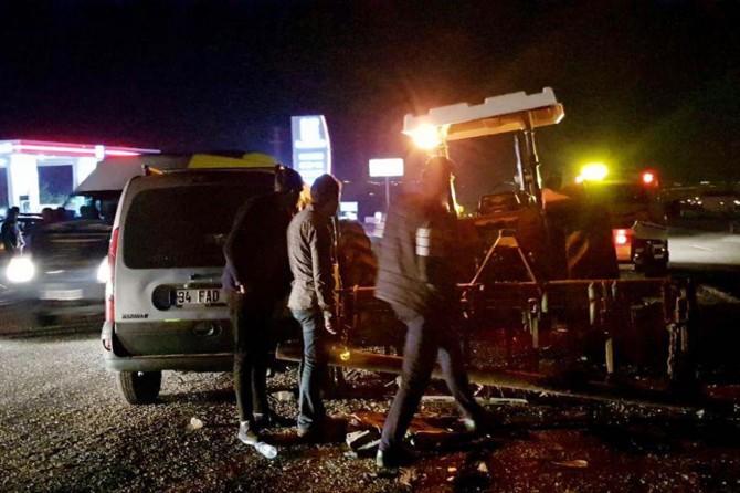Traktör ile kamyonet çarpıştı: 2 yaralı